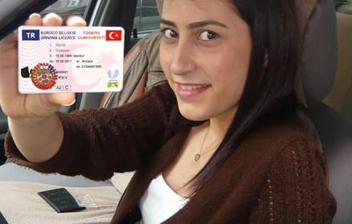 turkiyede 24 milyon ehliyet degisiyor